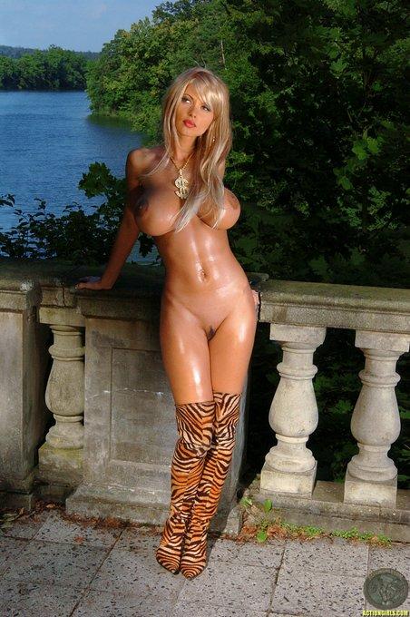 Сочные блондинки голое фото